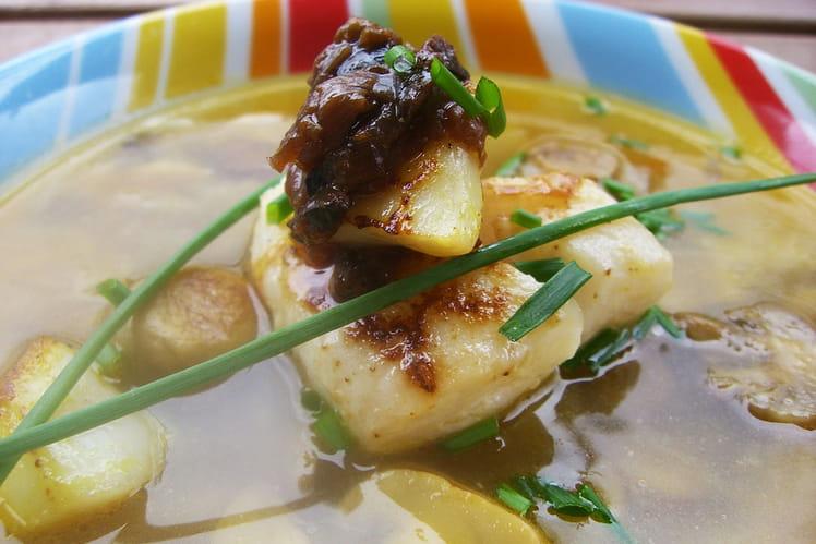 Cabillaud et sa Saint-jacques au curry au bouillon