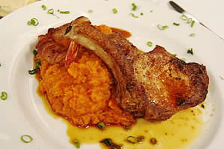 Côtes de porc au gratin de carottes
