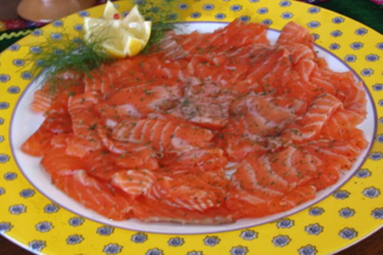 Saumon mariné au sel et au sucre
