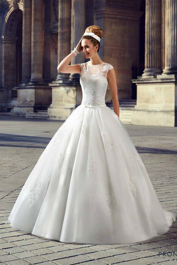 Robe de mariée Champerret, Pronuptia