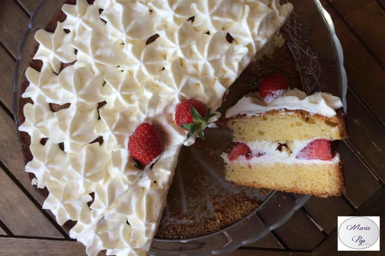 Gâteau époustouflant aux fraises