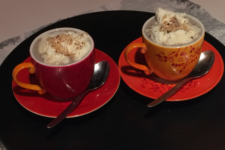 Cappuccino de pleurotes aux noisettes