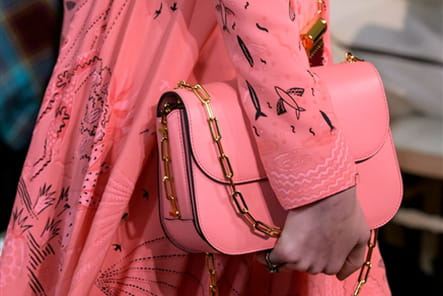 Valentino (Close Up) - photo 13