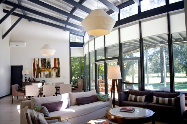 Une maison d'archi avec verrière arrondie