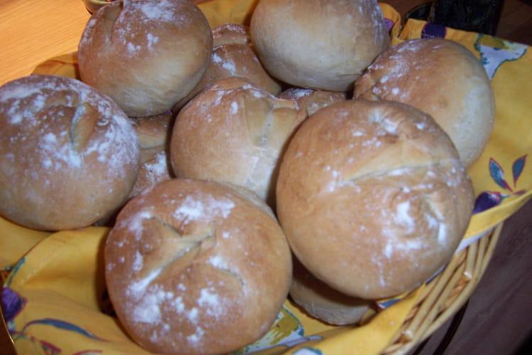 Recette de petits pains tout ronds la recette facile for Petits miroirs ronds