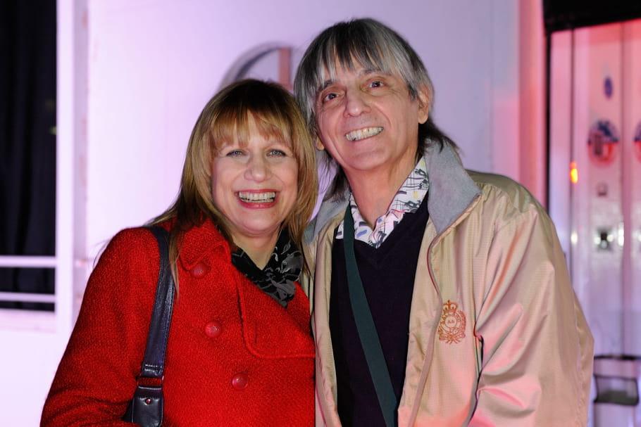 La chanteuse Stone et son mari se présentent aux élections municipales