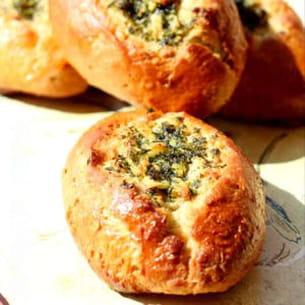 petits pains à l'ail & persil