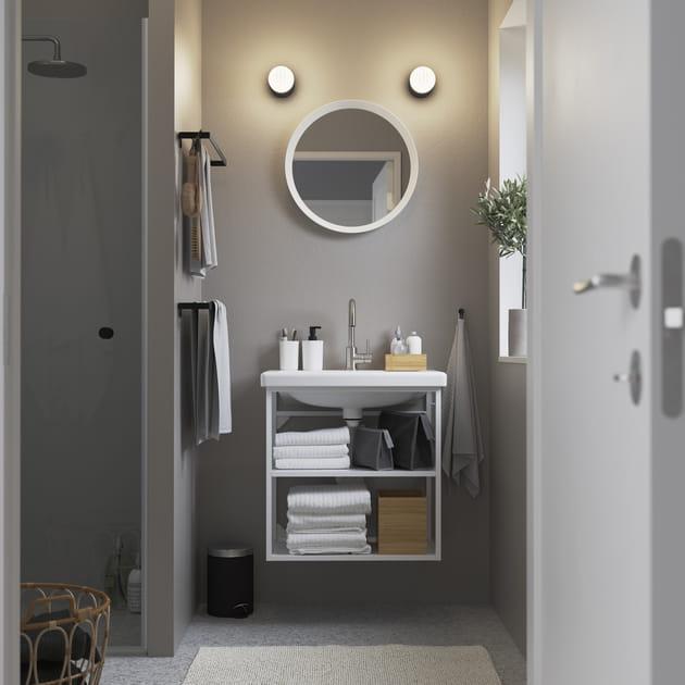 Salle de bains IKEA minimaliste