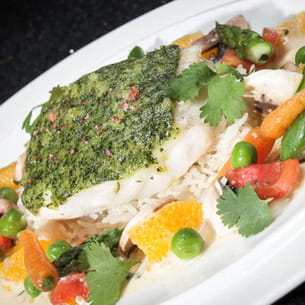 dos de turbot en croûte d'épices, sauce à l'orange
