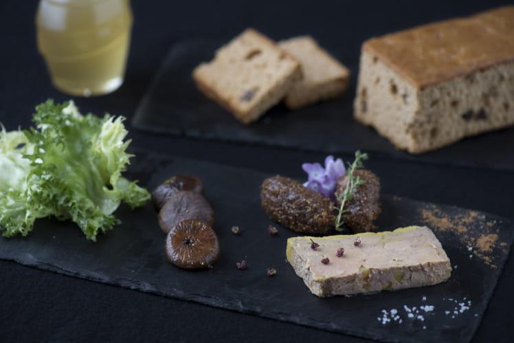 Foie gras mi-cuit, chutney de figues au miel, pain d'épices miel et figues