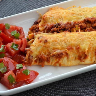 enchiladas au chili con carne gratinés au cheddar