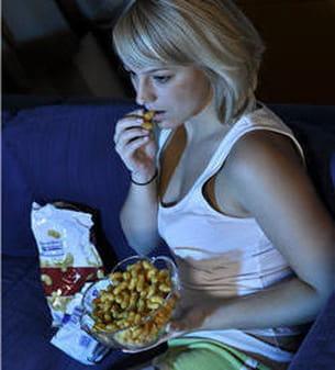 evitez les gâteaux apéritifs etchips devant la télévision, pensez aux crudités