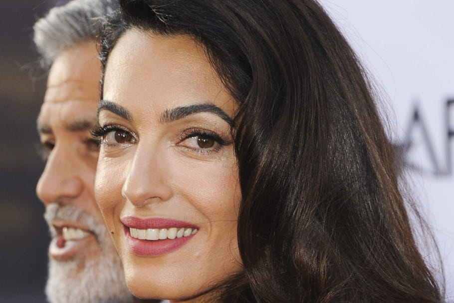 Le maquillage glamour d'Amal Clooney