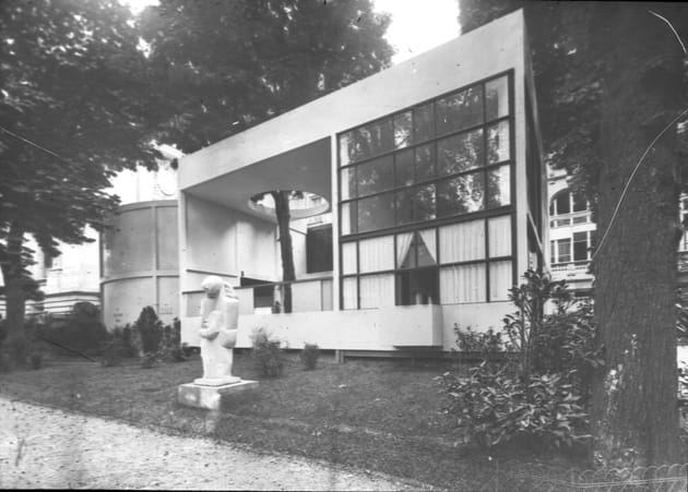 Photographie du Pavillon de l'Esprit Nouveau, Le Corbusier et Pierre Jeanneret