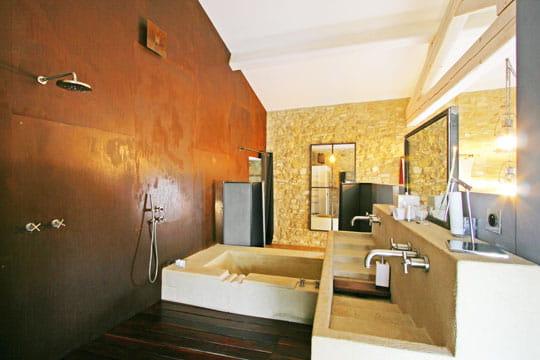 Salle de bains ouverte for Douche ouverte sur chambre