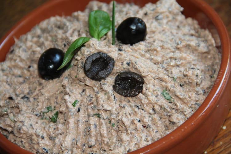 Rillettes De Thon Aux Olives Noires Et A La Tomate