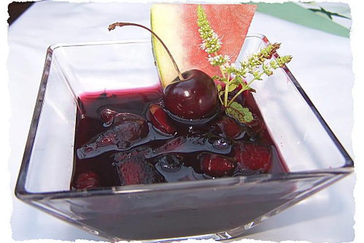 Salade de fruits toute rouge