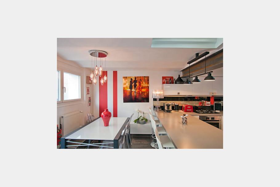 Une cuisine familiale une maison 1930 relook e du sol au for Cuisine familiale
