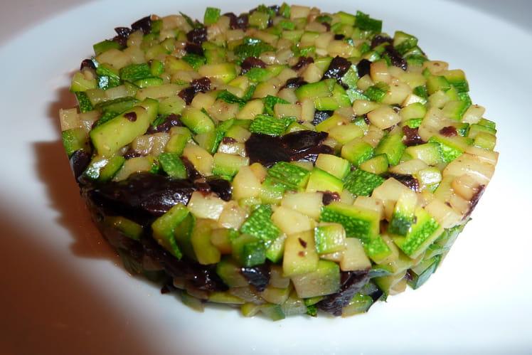 Brunoise de courgettes aux olives noires