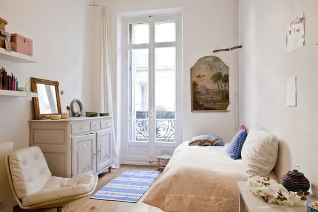 Chambre aux meubles chinés
