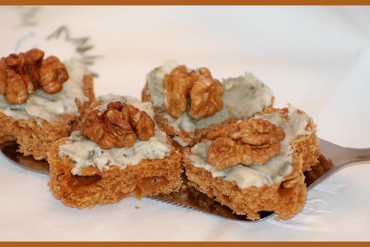 Petits coeurs de pain d'épices au bleu