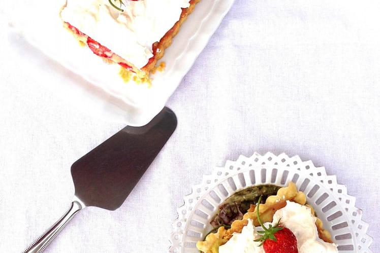 Tarte rhubarbe et fraises meringuée