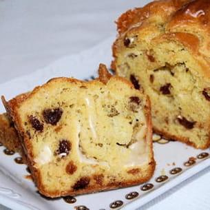 cake au chèvre, curry et raisins secs
