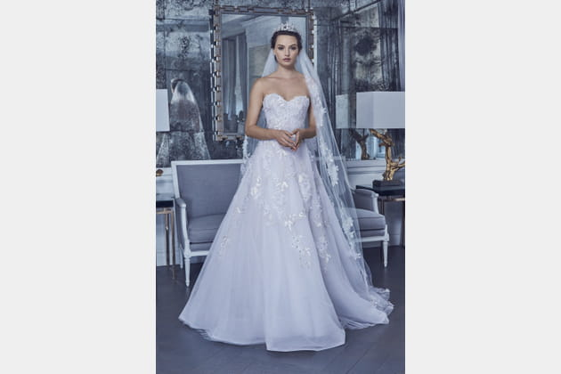Robe de mariée délicate, Romona Keveza