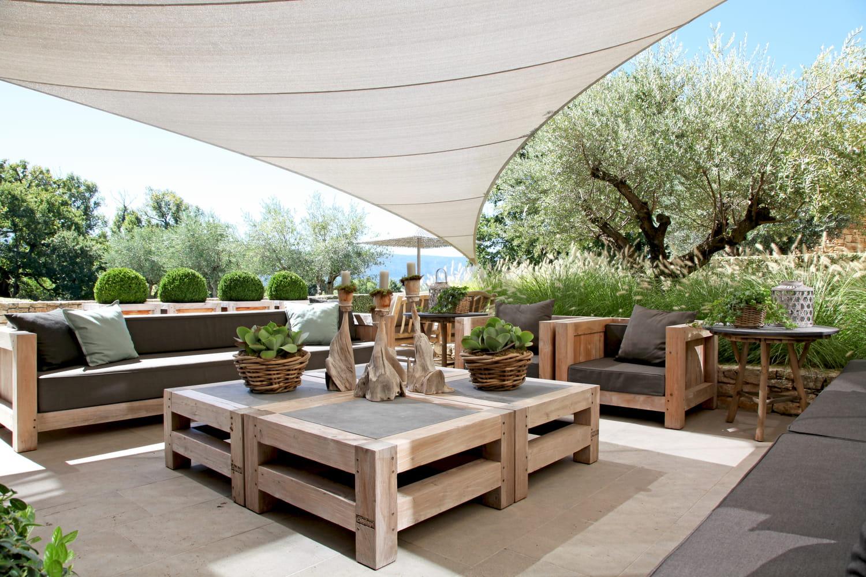 Comment se protéger du soleil au jardin ou sur la terrasse?