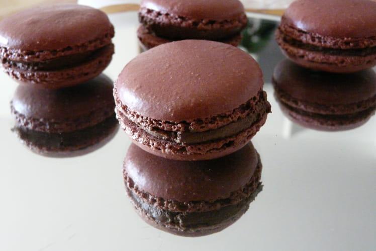 Macarons chocolat Piment et Alma mater