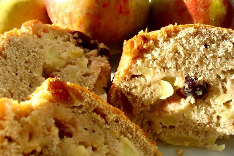 Cake aux pommes et aux fruits secs