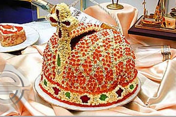 Gâteau Empire, aux oeufs de saumon et pâte feuilletée