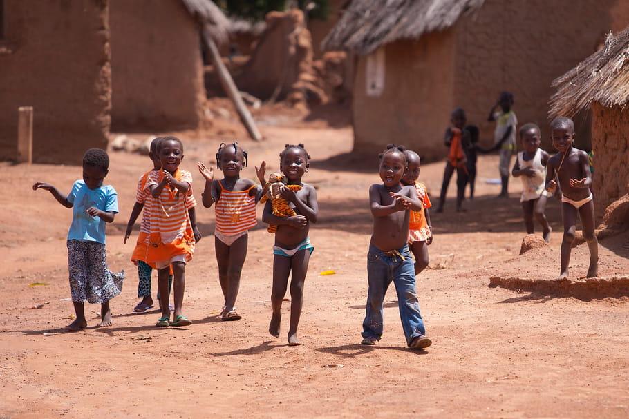 La Gambie interdit les mariages des mineurs