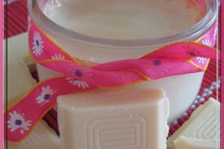 Petits pots de crème au chocolat blanc