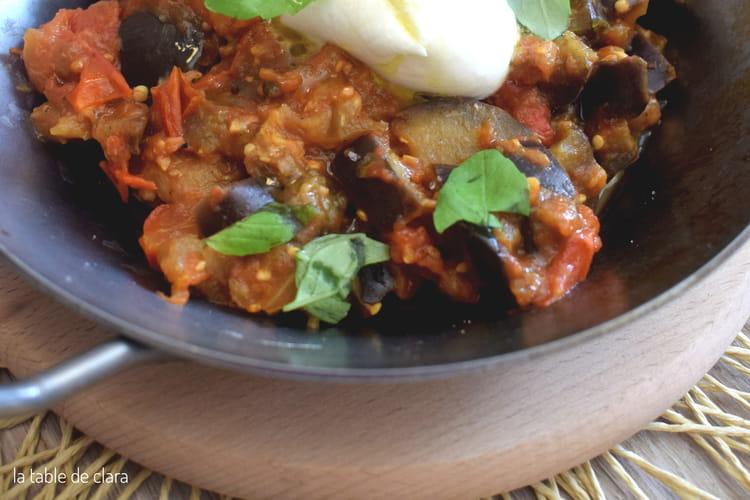Aubergines aux tomates fraîches et à la mozzarella