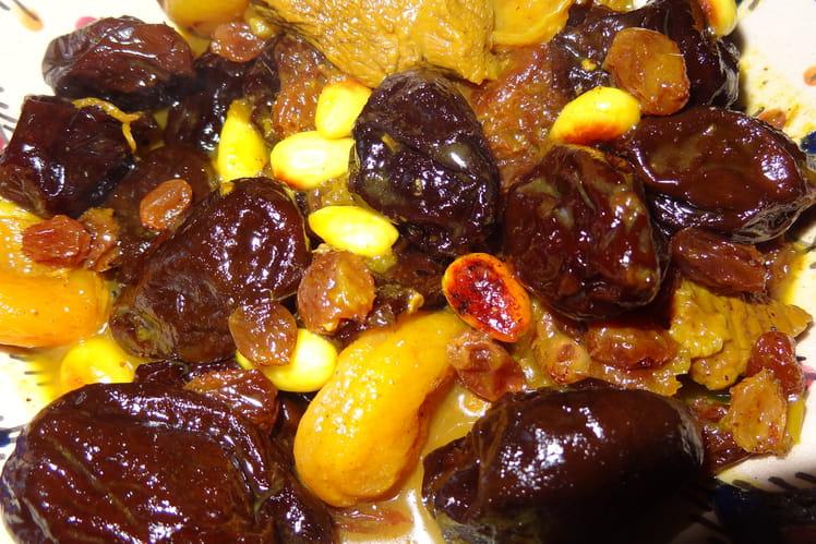 Tajine de pruneaux, fruits secs et amandes