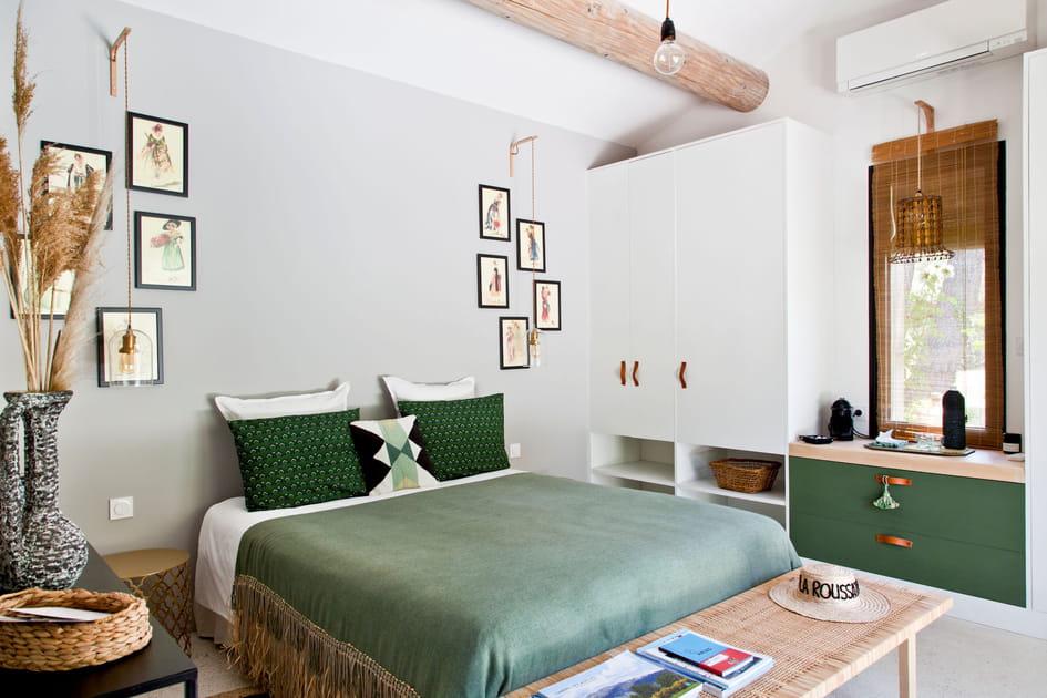 Une chambre avec une couleur comme fil conducteur