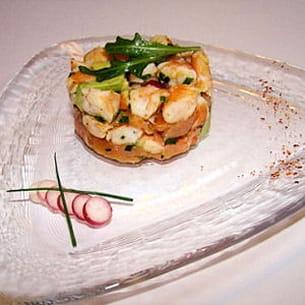 tartare de saumon fumé crevette et avocat au citron et piment d'espelette