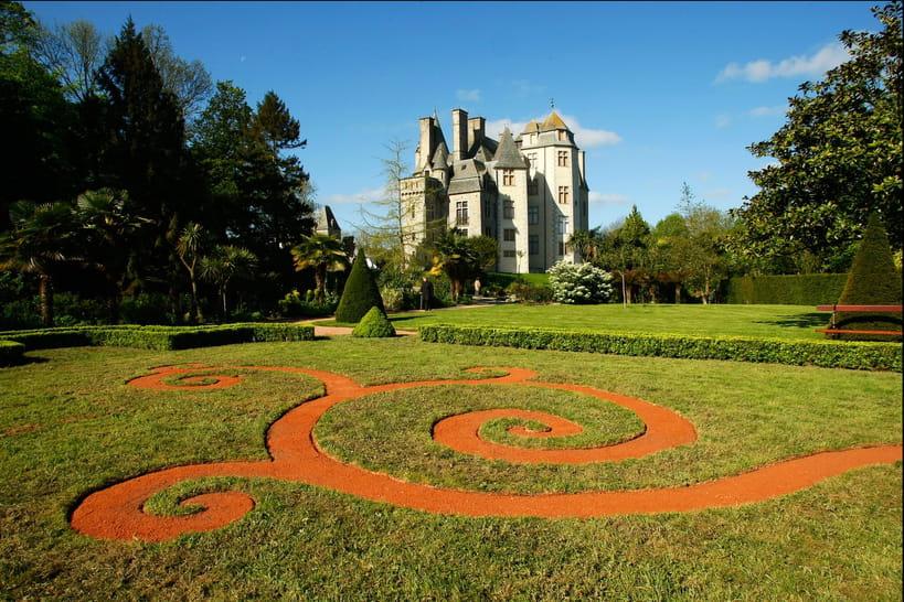 Le parc du château des Ravalet, un domaine au charmevégétal enchanteur