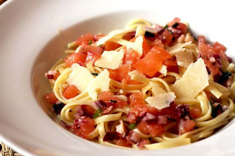 Spaghetti saumon fumé et sauce vierge