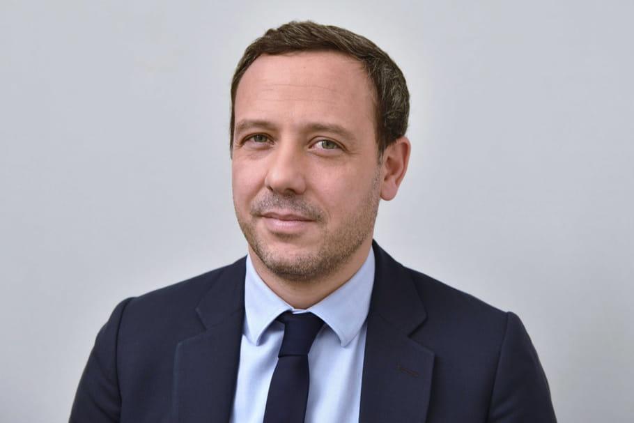 Protection de l'enfance: que prévoit Adrien Taquet?