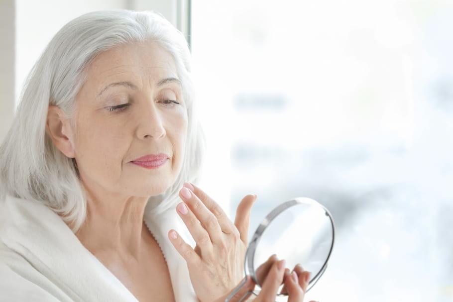 Crème anti-rides à 70ans: laquelle choisir quand on a la peau mature?