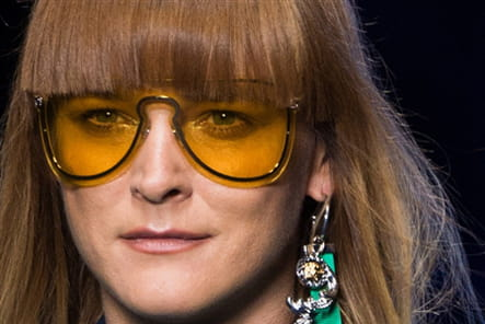 Versace (Close Up) - photo 18