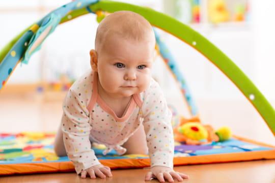 Les meilleurs tapis d'éveil pour bébé