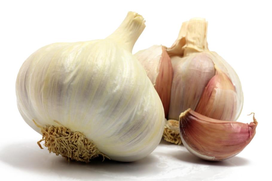Comment remédier aux odeurs tenaces d'ail?