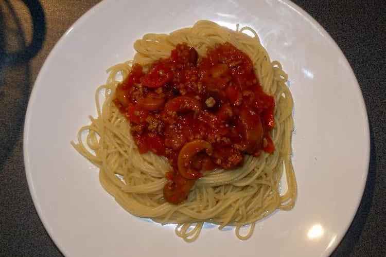 Spaghettis sauce bolognaise aux légumes