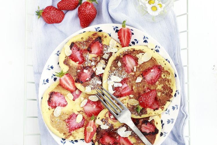 Pancakes aux fraises et amandes
