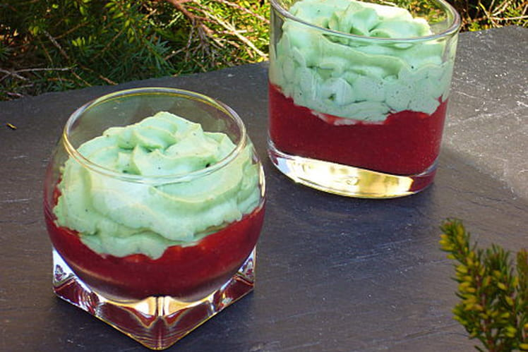 Verrines gourmandes fraise-pistache