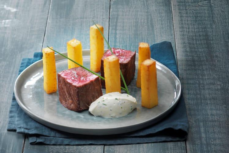 Filet de bœuf et Pomme pont-neuf avec ses dips de St Môret® aux condiments