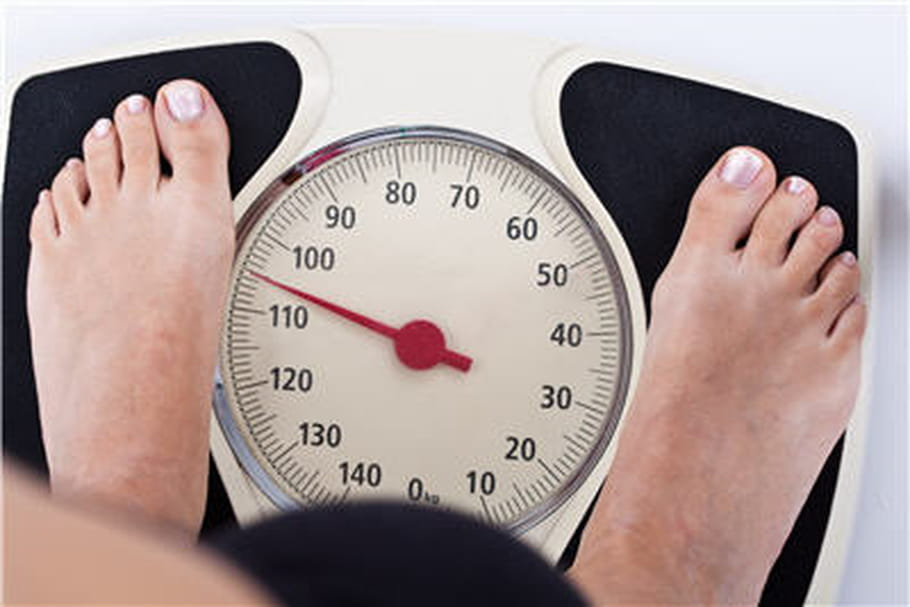 Obésité : on sait pourquoi le signal de satiété est retardé